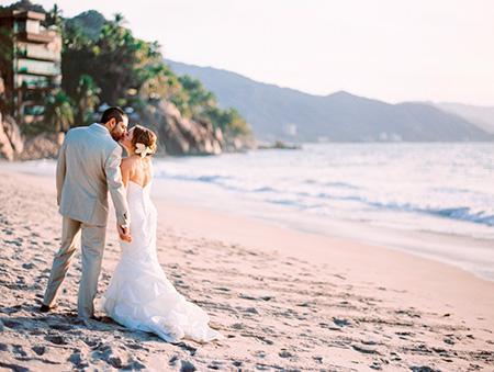 edding Planner en Monterrey, Boda en la playa, Las mejores bodas en la playa en México - boda en puerto vallarta