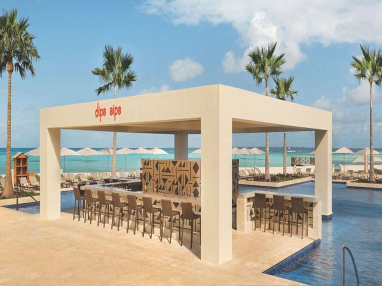 Paquetes de bodas en la playa - bar de hotel