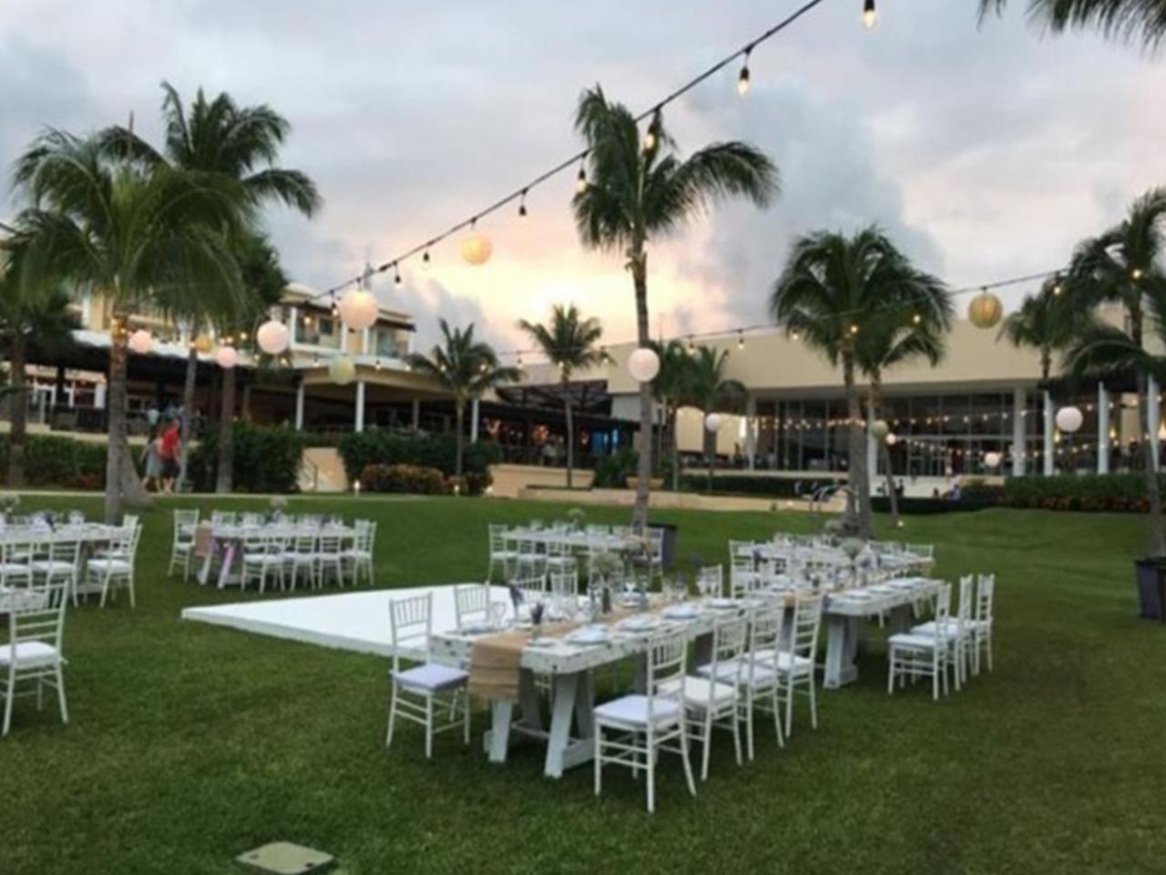 Paquetes de bodas en la playa - jardín