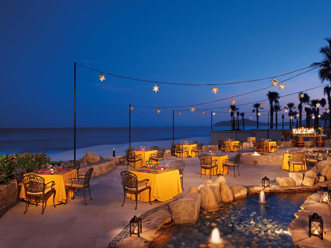 Bodas en la playa - luces de noche