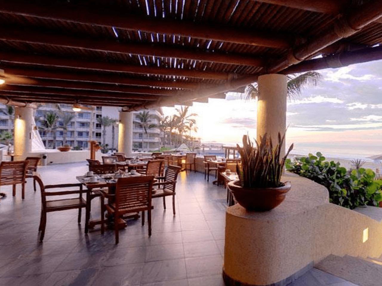 Bodas en la playa - restaurante de hotel