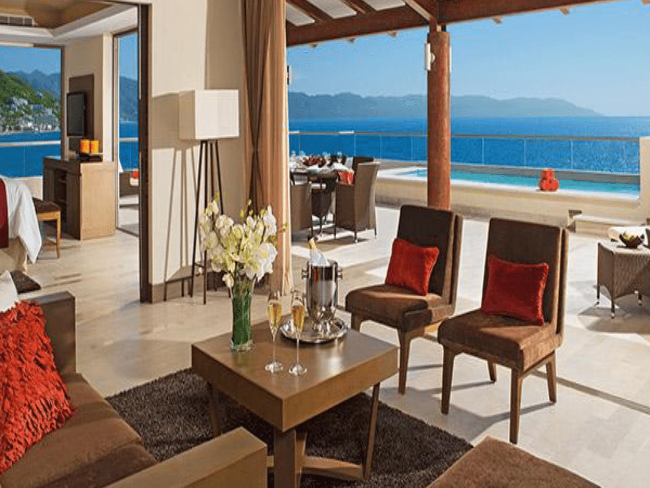 Bodas en la playa -terraza de hotel