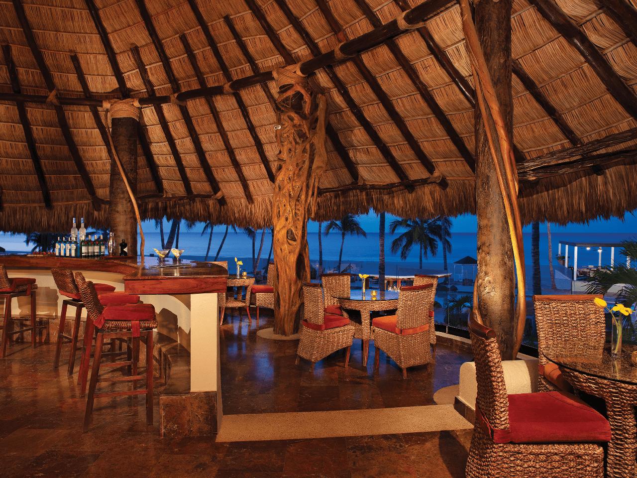 Bodas en la playa - restaurante vista a la playa