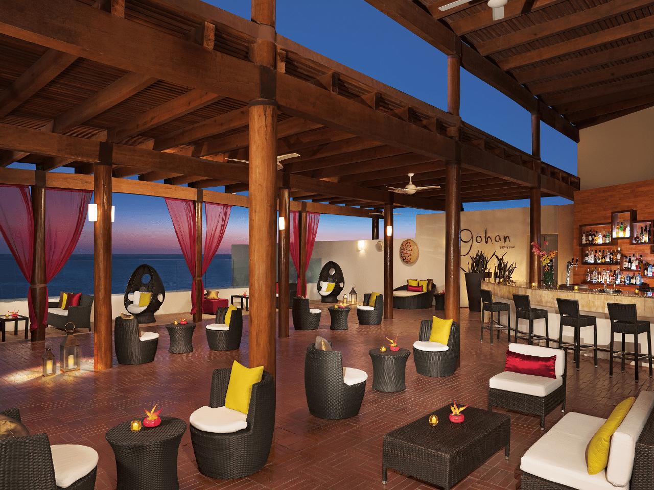 Bodas en la playa - hotel con vista al mar